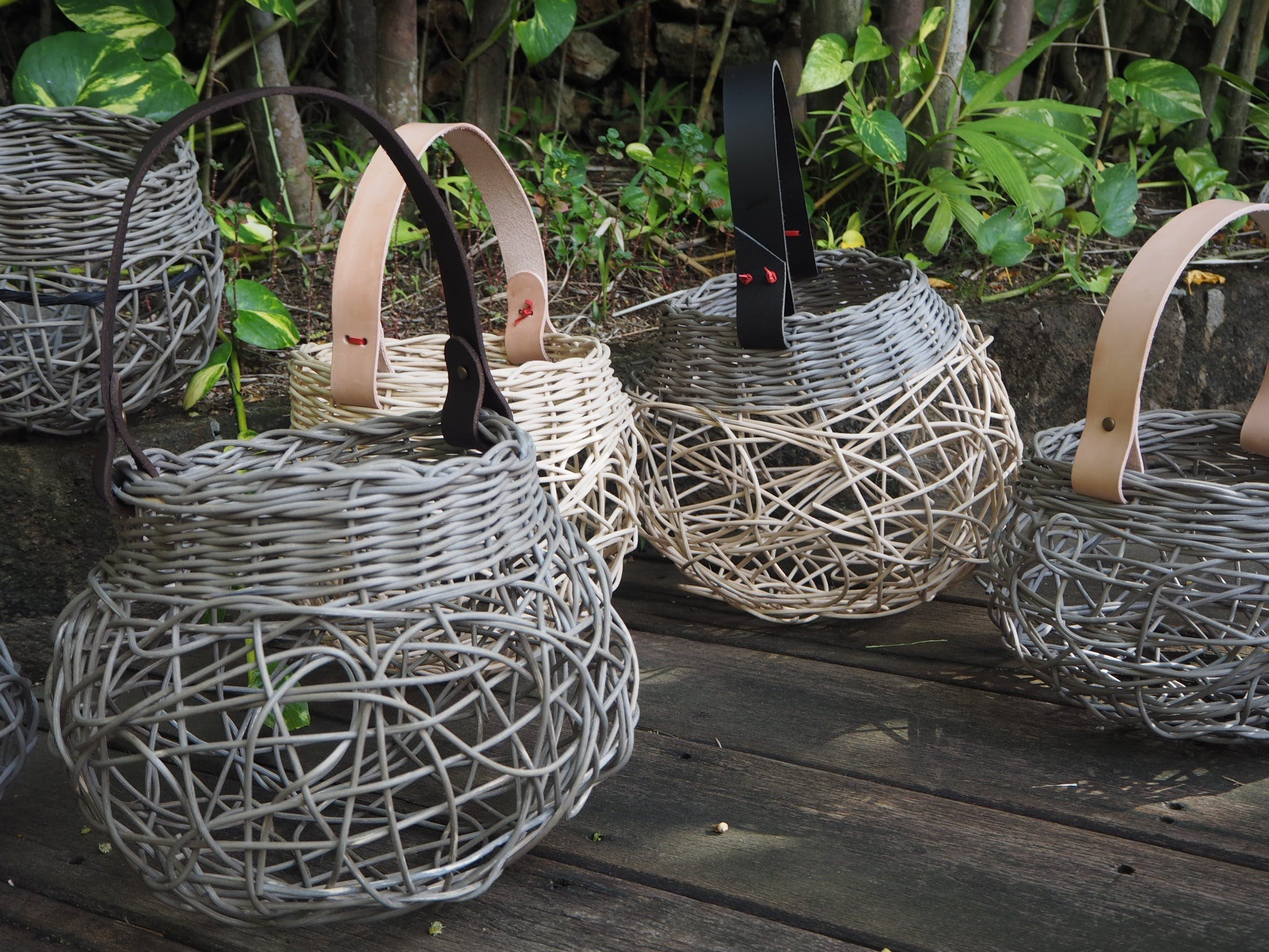 Weaving: Woven Basket with Leather Handle